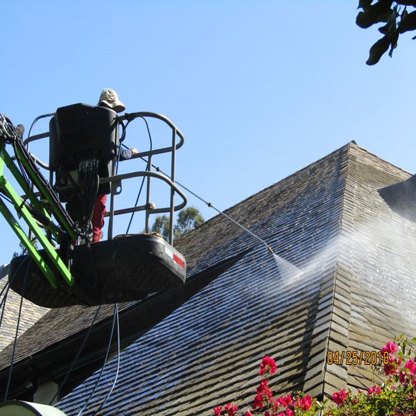 Roof Cleaning Lift Roof Cleaning